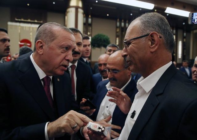 erdogan-muhtar-sigara