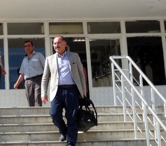 FETÖ'den 15 yıl hapsi istenen Rektör, görevden alındı