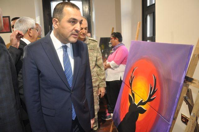 """Kars'ta, """"İçimizdeki Renkler"""" sergisinin açılışı yapıldı"""