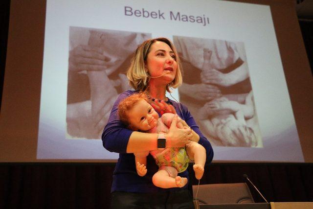 """KBÜ'de """"Bebek Masajı ve Bebek Gelişimi"""" konferansı"""