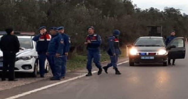 Ayvalık'ta İlçe Jandarma Komutanlığı ekipleri 'güven ve huzur' uygulaması yaptı