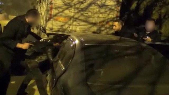 Otomobilde videosunu izlerken yakalanmışlardı! Cezaları belli oldu MYNET