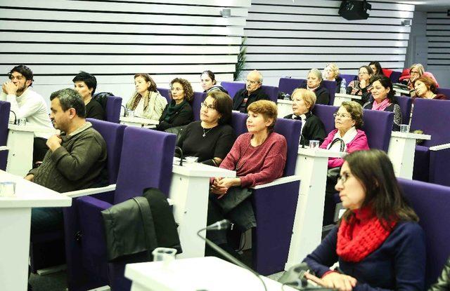 Bucalı kadınlar, seçme ve seçilme hakkını kutladı