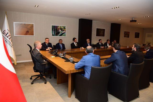 Halı Sektörü Gaziantep'te 40 Bin Kişiyi İstihdam Etti