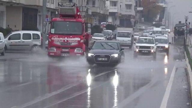 Gaziantep'te sağanak yağış etkili oluyor