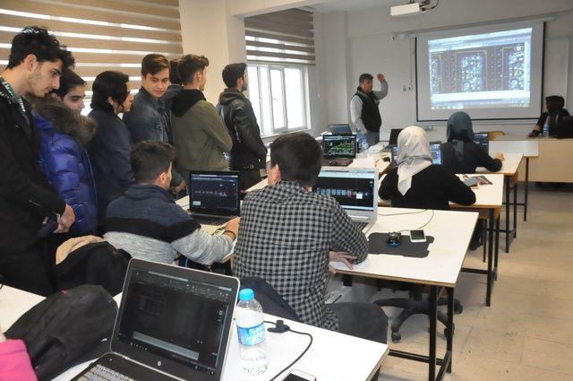 İzmitli öğrencilerden Düzce Üniversitesi'ne ziyaret