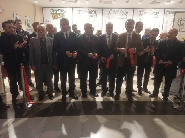 Çamlıca Kolej Fen Lisesi tanıtım ofisi AVM'de açıldı