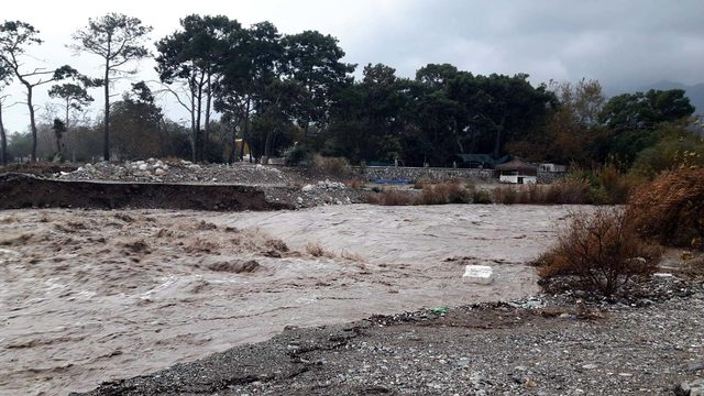 Antalya'da rekor yağış