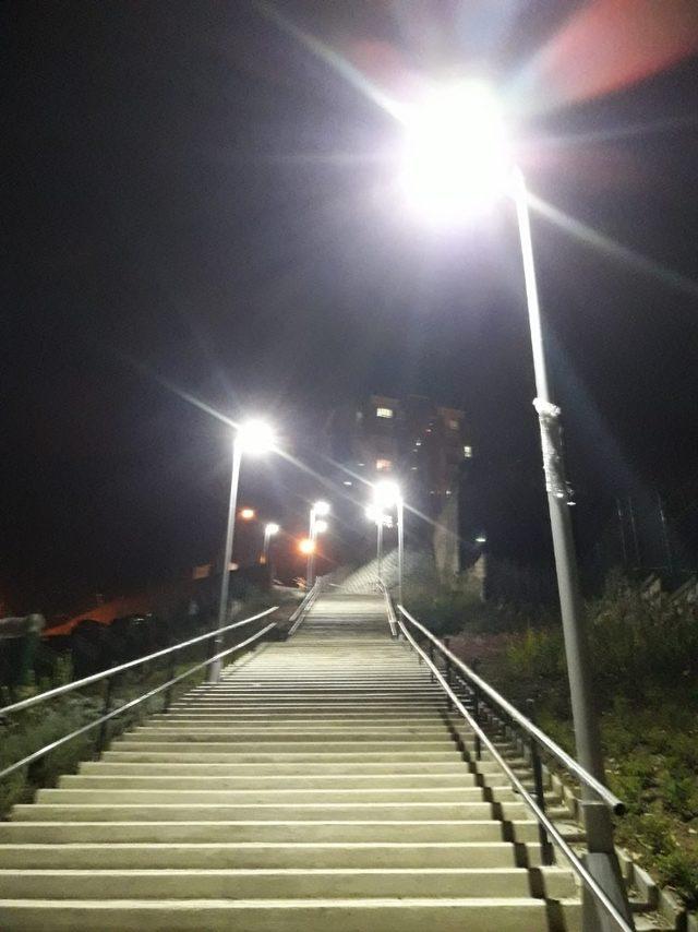 28 Haziran Mahallesine merdiven yapıldı