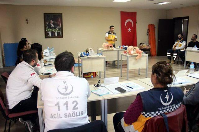 İzmir'de, 112'ye yüzde 94 oranında gereksiz çağrı yapıldı