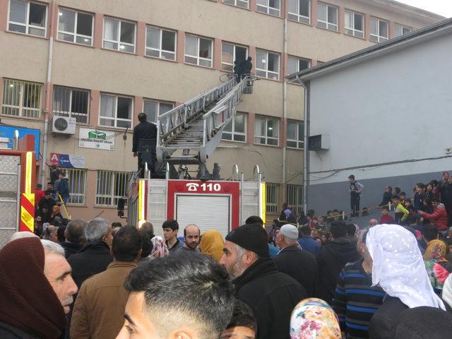 Şanlıurfa'da okulda yangın paniği