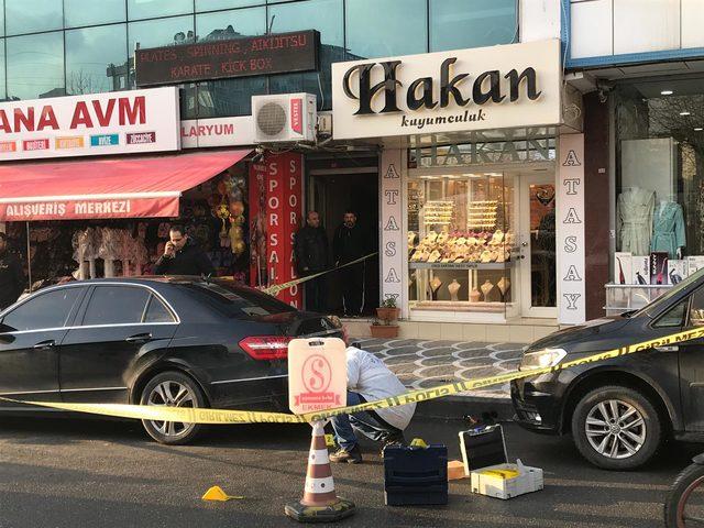Gaziosmanpaşa'da altın toptancısına saldırı