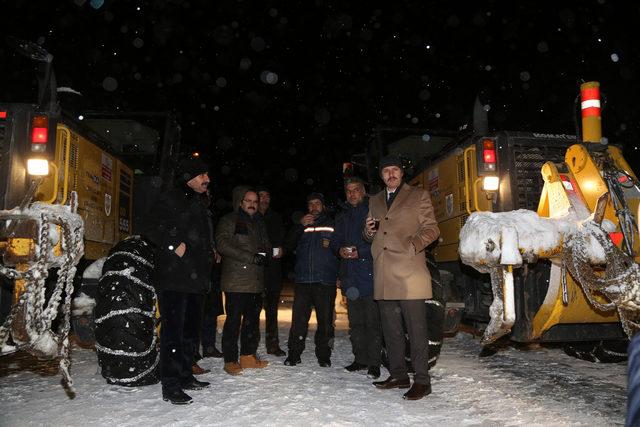 Sivas'ta 844 köy yolu kardan kapandı (2)