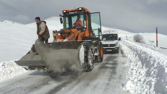 Doğu'da çok sayıda köy yolu, ulaşıma kapandı (4)