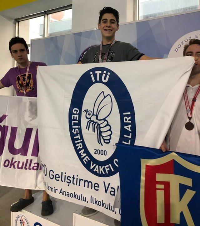 İTÜ Geliştirme Vakfı Okulları madalyaları topladı