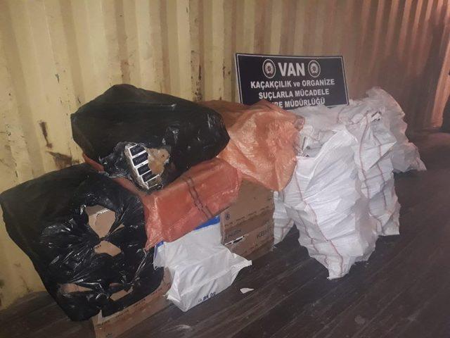 Van'da 9 bin 250 paket kaçak sigara ele geçirildi
