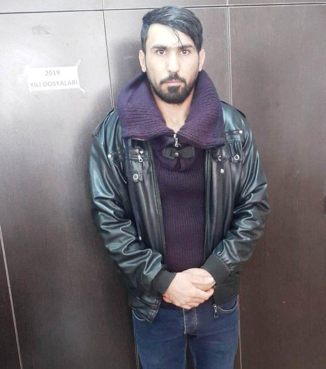 Kuyumcuya sahte altın kolye satan zanlı Erzurum'da yakalandı