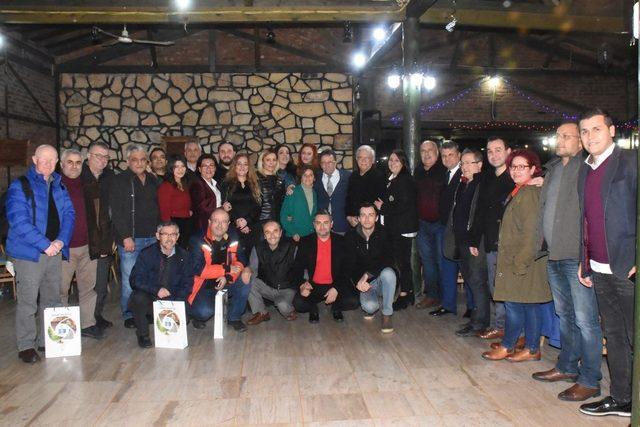 Edremit Belediye Başkanı Kamil Saka, gazetecilerle bir araya geldi