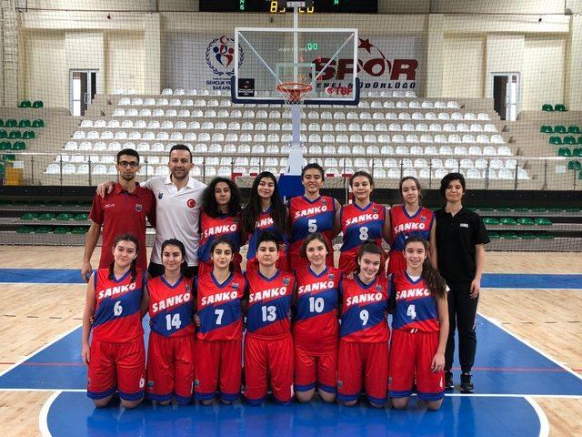SANKO Okulları Genç Kız Basketbol Takımı Türkiye yarı finallerinde