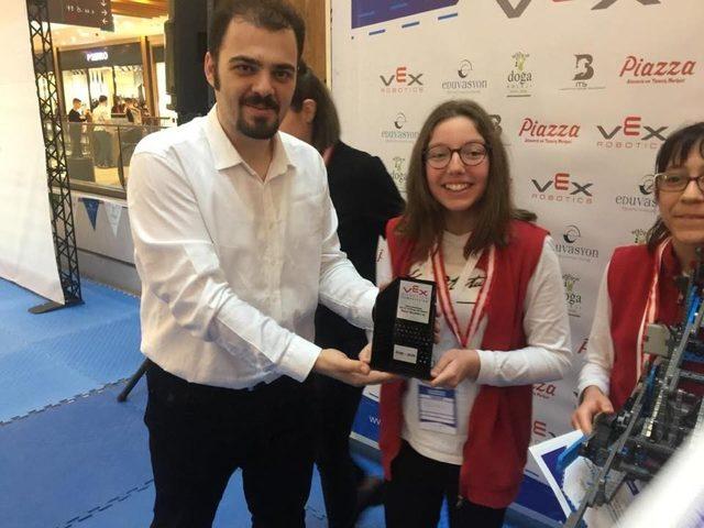 SANKO Okulları Robot Takımı 4 Türkiye derecesi kazandı