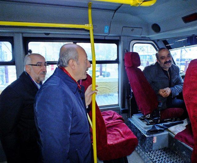 Van'da minibüs ve otobüs duraklarına sıkı denetim