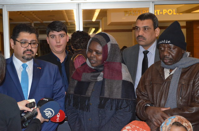 Suriye'de mahsur kalan Sudanlı kadın ülkesine uğurlandı