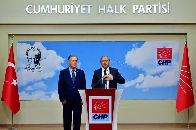 CHP'li Kaya: İzmir'de açan çiçek Hakkari'nin de yüzünü güldürecek