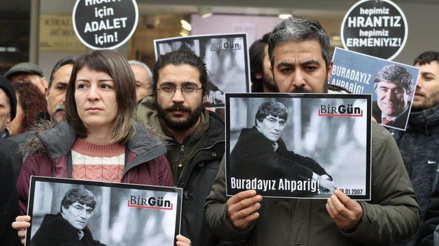 Hrant Dink için Agos gazetesinin önünde anma düzenlendi.