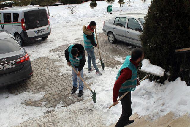 Yozgat Haberleri: Yozgatta denetimli hükümlüler okul boyadı 3