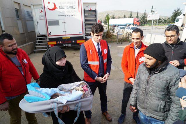 Suriye'de prematüre doğan Yezan bebek Türkiye'de sağlığına kavuştu