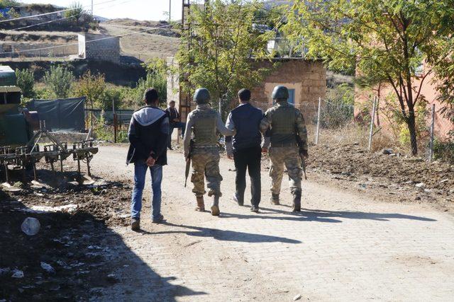 Diyarbakır'da aranan 8 kişi yakalandı