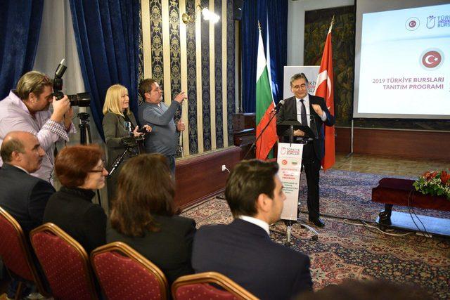 YTB burs programlarını Bulgaristan'da tanıttı