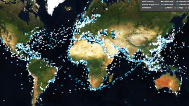 Aynı anda okyanuslarda ve denizlerde beş binden fazla tanker hareket halinde olabiliyor.