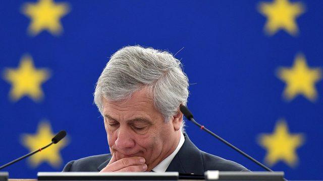 Avrupa Parlamentosu Başkanı Antonio Tajani, Avrupa Birliği'nin Venezuelalı muhalif lider Juan Guaido'yu ülkenin geçici devlet başkanı olarak tanımasını İtalya'nın bloke ettiğini açıkladı.
