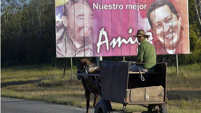 Hugo Chavez döneminde gelişen Küba - Venezuela ilişkileri, Maduro döneminde de güçlenerek devam etti.