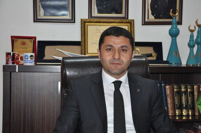 Bahçeli, tarafından Kars'ta ihraç edilen  5 belediye meclis üyesi geri alındı