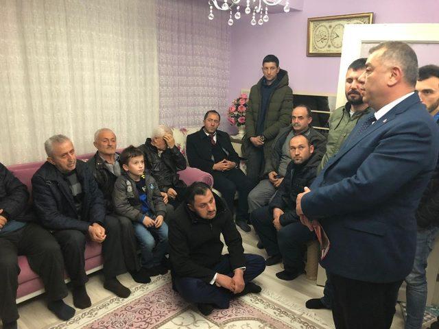 MHP'li başkan adayı Bıyık sevenleri evlere sığmadı