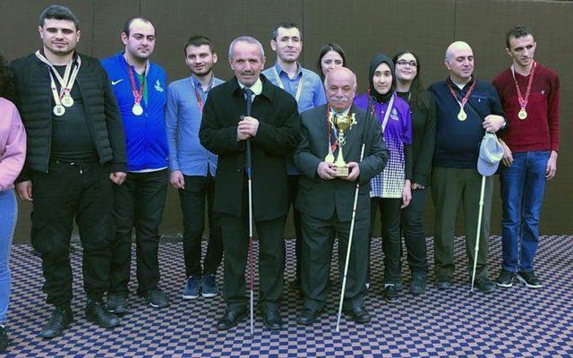 Görme engelliler satranç şampiyonu