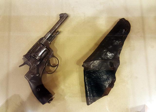 Atatürk'ün 121 yıllık orijinal beylik tabancası Samsun'da sergileniyor