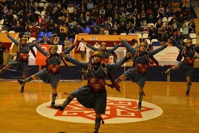 Halk oyunları yarışması il finali yapıldı
