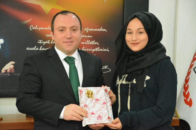 Öğrenciler Müdür Yıldız'la röportaj yaptı