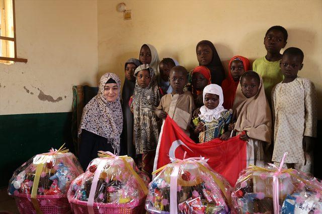 Türkiye'deki kadınlardan Nijerya'daki yetimlere yardım<br />