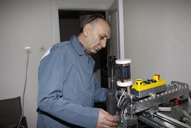 Yerli 'perdah makinesi' üretti, motoru için gümrüğe takıldı