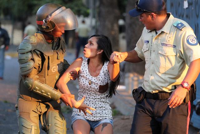 2019-03-11T002911Z_763361687_RC1461B503B0_RTRMADP_3_VENEZUELA-POLITICS