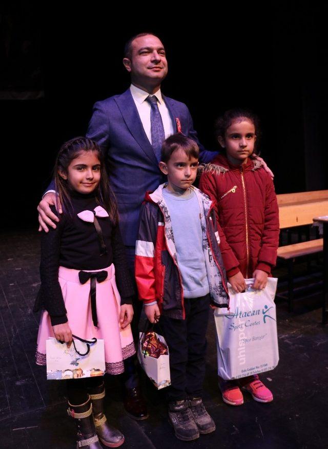 Van'da İstiklal Marşı'nın kabulü ve Mehmet Akif Ersoy'u Anma Günü
