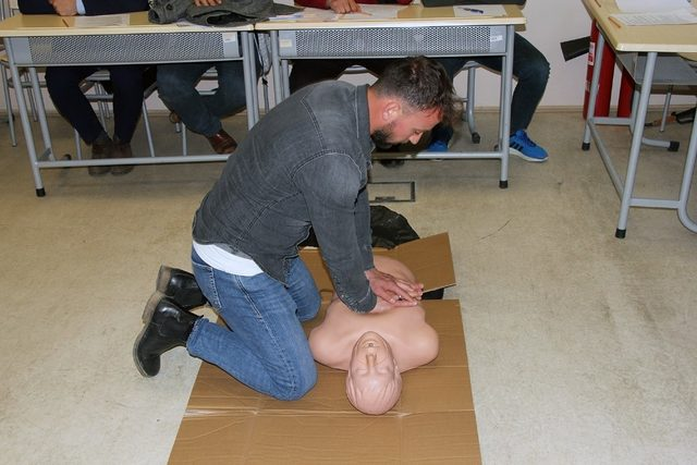 SASKİ personellerine yönelik 'Temel ilk yardımcı eğitimi' düzenlendi