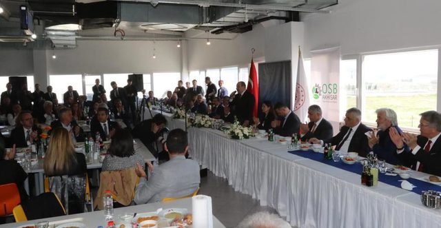 Bakan Varank: Akhisar'da yenilikçi kurutma merkezi kurmayı planlıyoruz