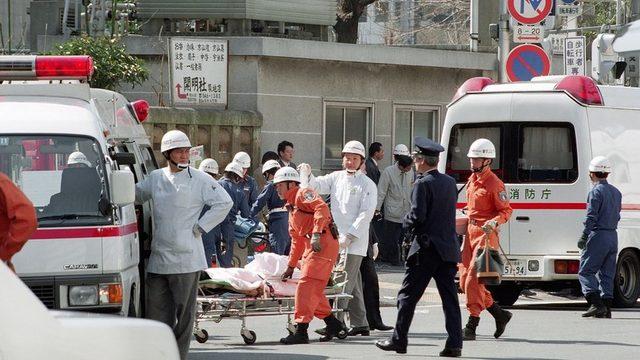 Mart 1995'te, Tokyo'daki bir kıyamet tarikatı tarafından düzenlenen sarin gazı saldırısında 12 kişi olay yerinde ölmüştü.
