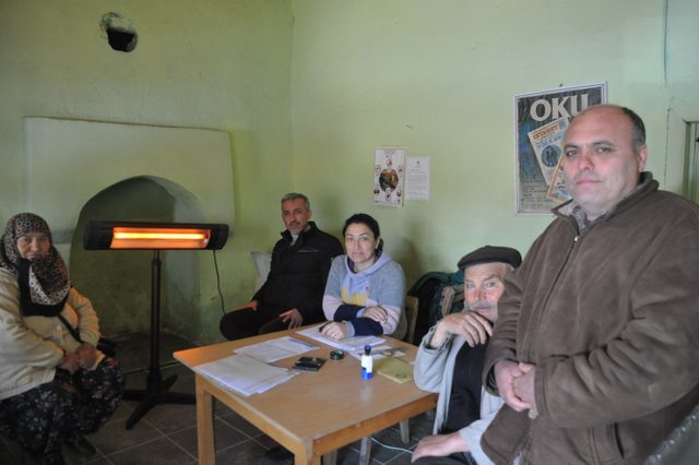 11 seçmenli köyde oy verme işlemi 1 saatte bitti