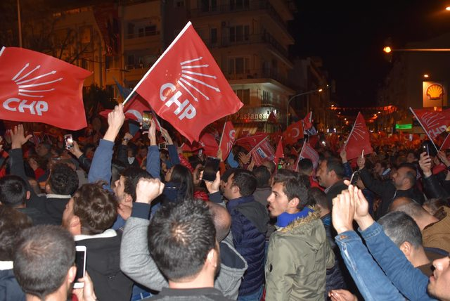 Kemalpaşa'da kıyasıya yarışı CHP'li Karakayalı kazandı